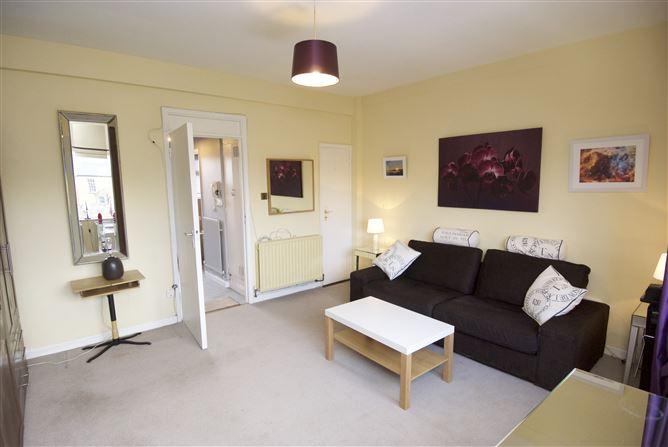33 Cherry House, Mespil Estate, Ballsbridge, Dublin 4