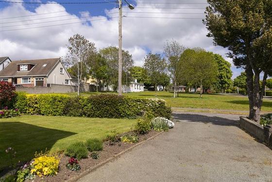 25 Seaview Park, Shankill, Dublin